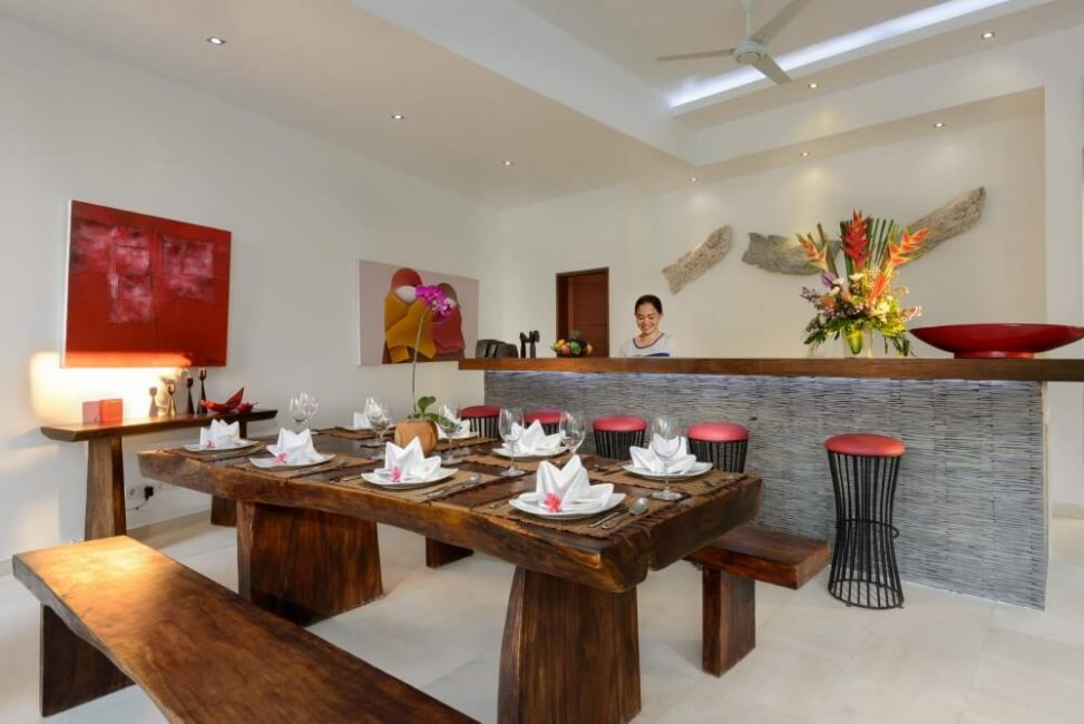 Villa-Kyah-Bali-Dining-Table