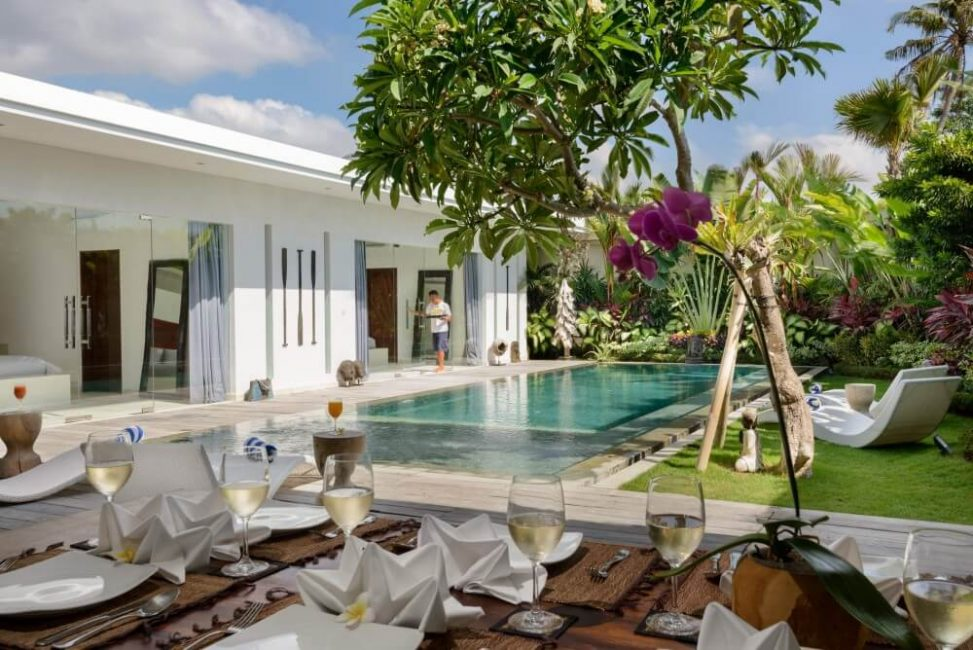 Villa-Kyah-Bali-Outdoor-Dining-View-Pool