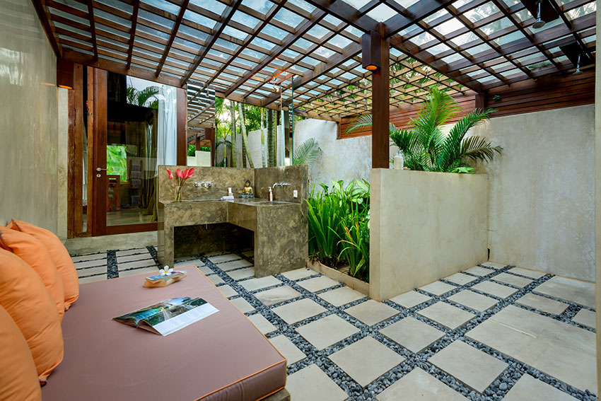 4.-Villa-Shalimar-Cantik-Bedroom-two-ensuite-bathroom