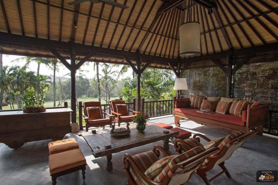 villa-senja-bali-upstair-open-living