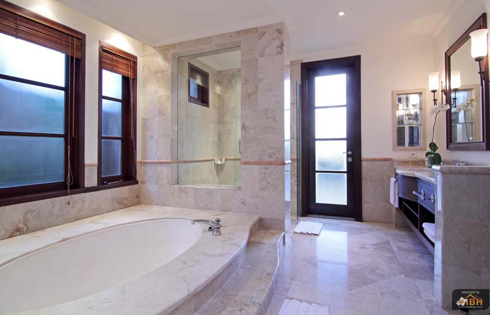 villa-sunset-golf-bathroom-3