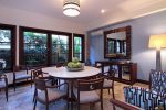 villa-sunset-golf-indoor-dining-table
