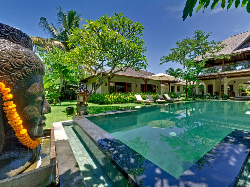 14-Villa Asmara Buddha looks over the pool