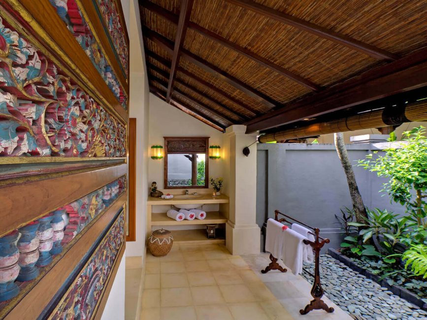 11. Villa Kedidi Guest bathroom 2