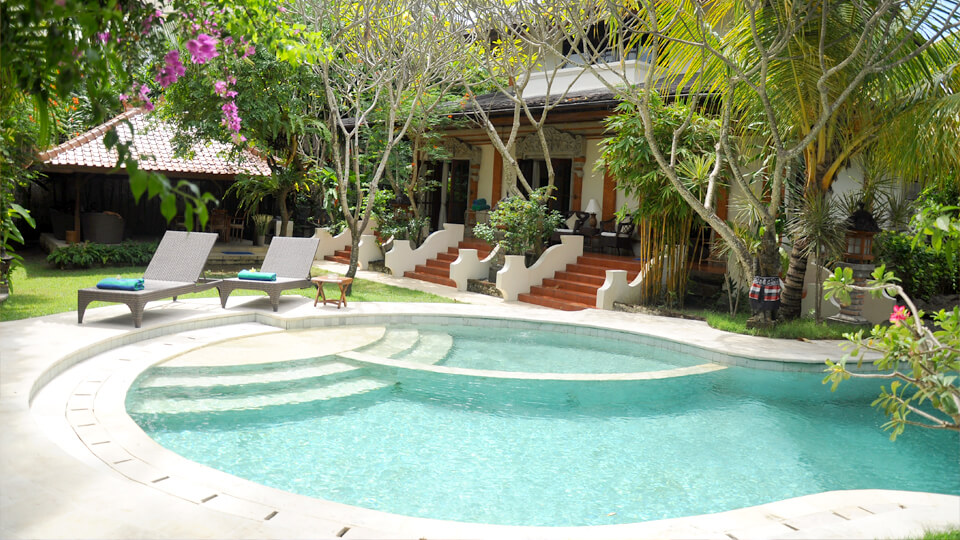 1. baliana-villa-legian-swimmingpool