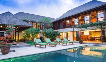 Bayu Gita Residence. Tropical Living